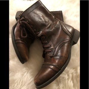 Steve Madden brown leather boots in size 7.5 med